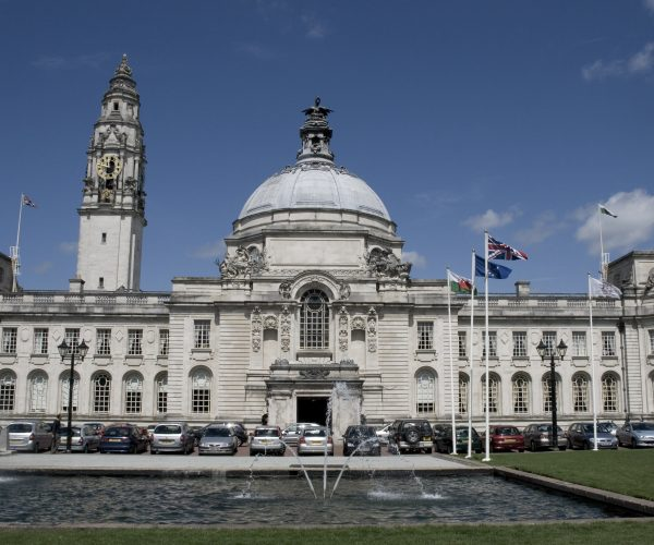 http://www.peartreelanguages.com/wp-content/uploads/2018/04/Copy-of-Copy-of-Cardiff-City-hall-600x500.jpg